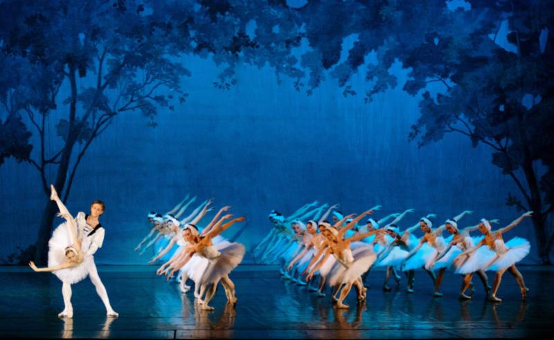 Russian Royal Ballet performing.